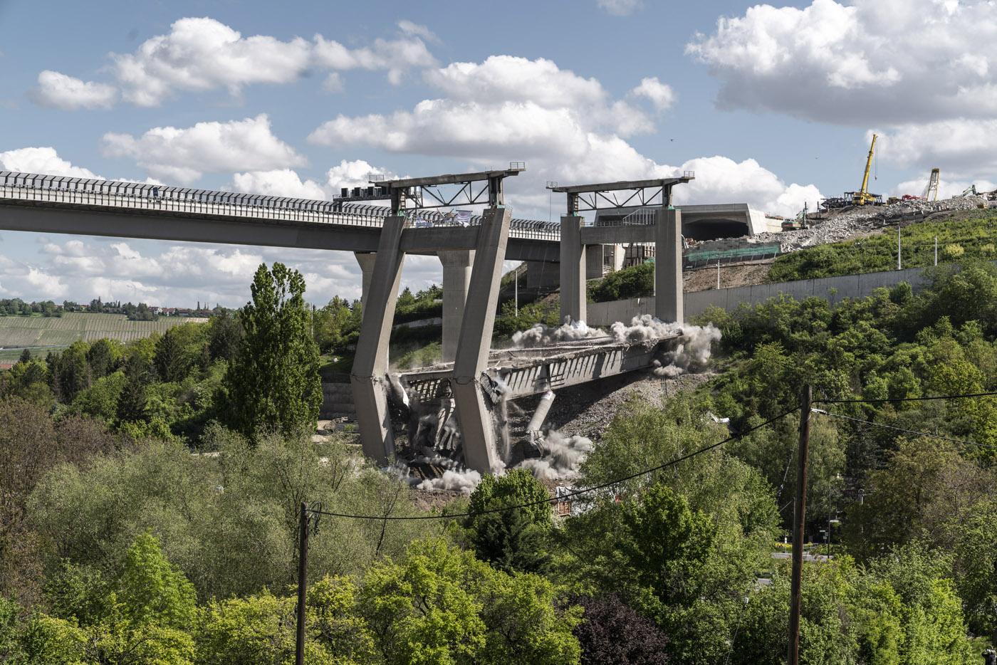Sprengung Talbrücke Heidingsfeld Autobahn A3 Würzburg Frankfurt